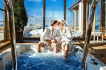 Romantic SPA weekend for two